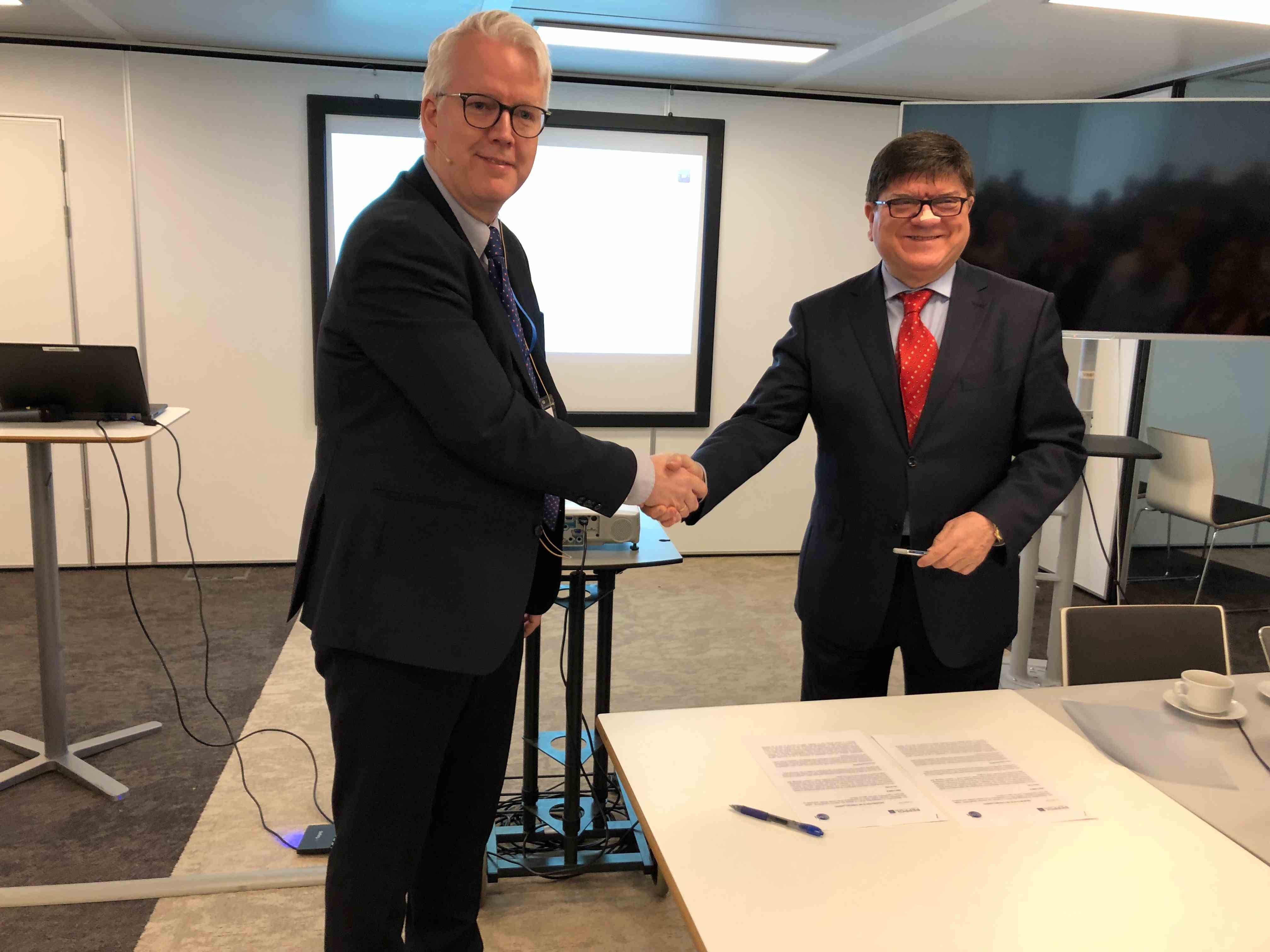 OpenPEPPOL and GS1 sign a Memorandum of Understanding to generate further benefits for their users